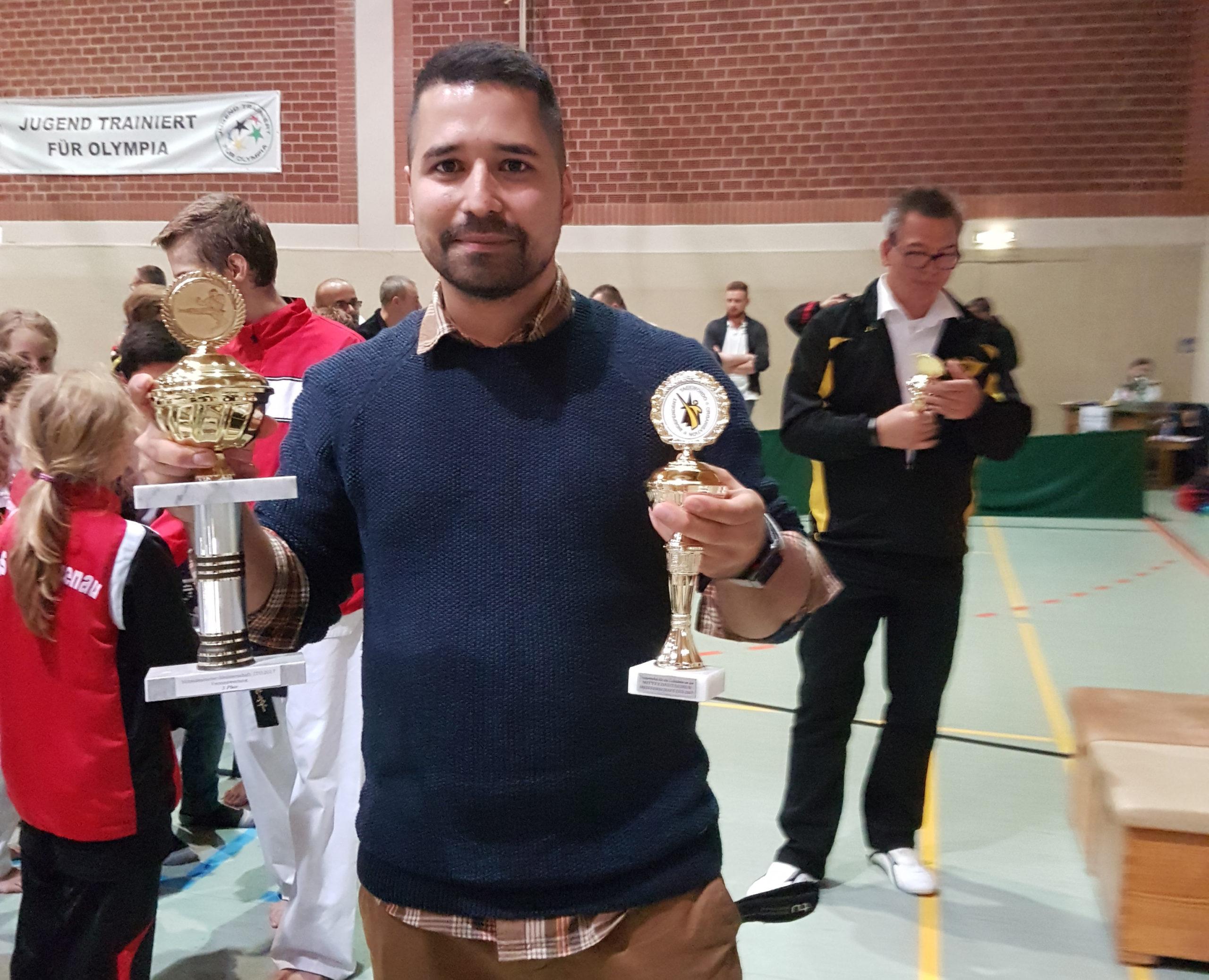 Erfolgreiche Graduierungsprüfung unseres Trainers Ahmet Sengezer zum 4.Dan